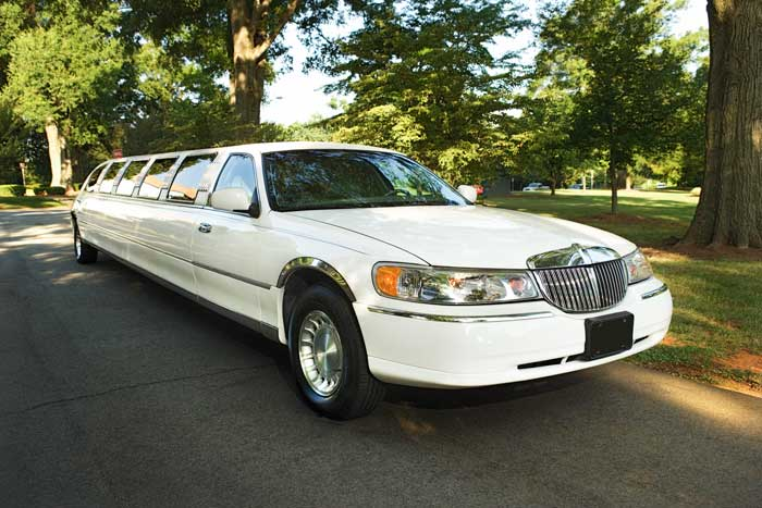 Limos for Kids? Why You Should Hire a Car Service for Your Child or Teen